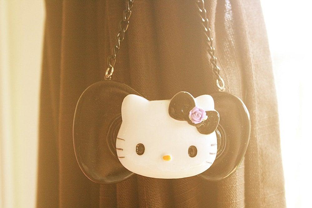 Sephia Hello Kitty necklace