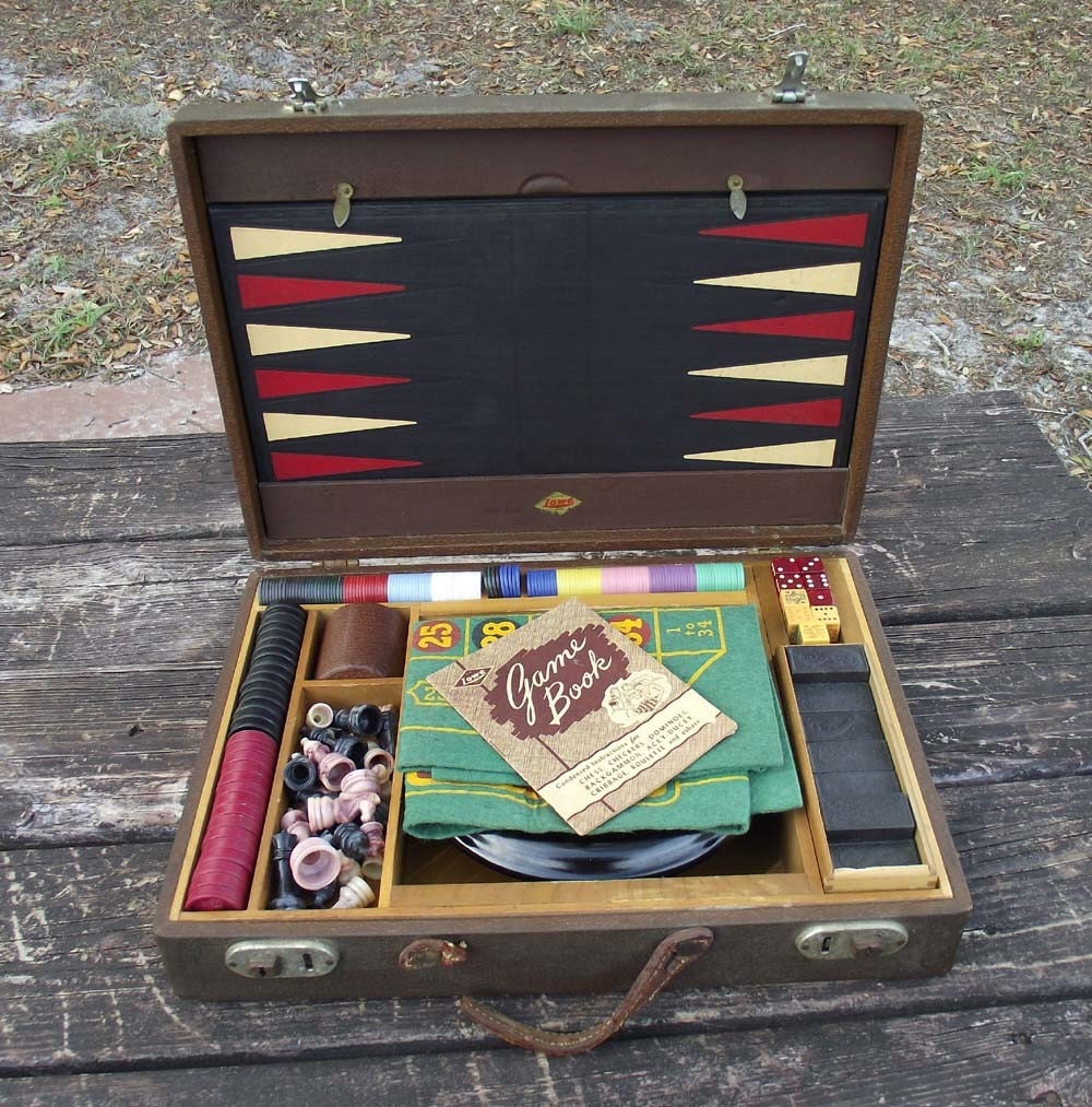 Fantastic Vintage Casino Gaming Travel Set by Lowe c. 1940s
