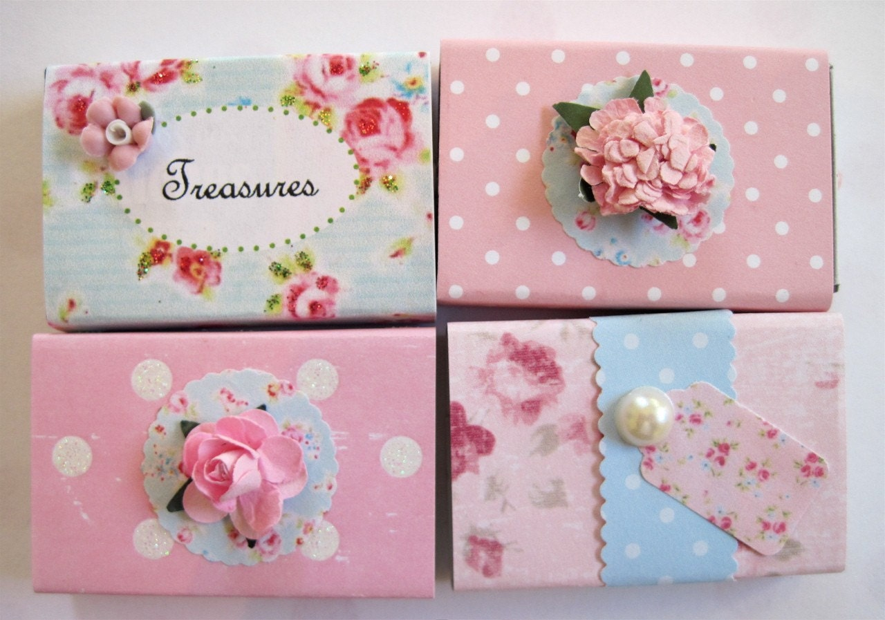 les petits tiroirs - baby pinks and blues