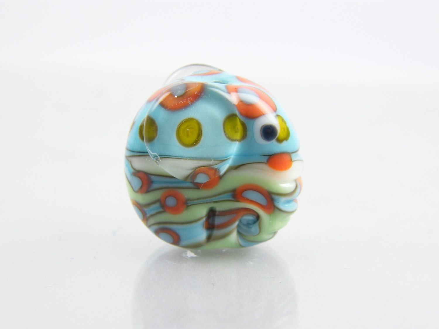 This pretty little Ellie bead measures 20mm x 21mm and has been wound on a 2.4mm mandrel