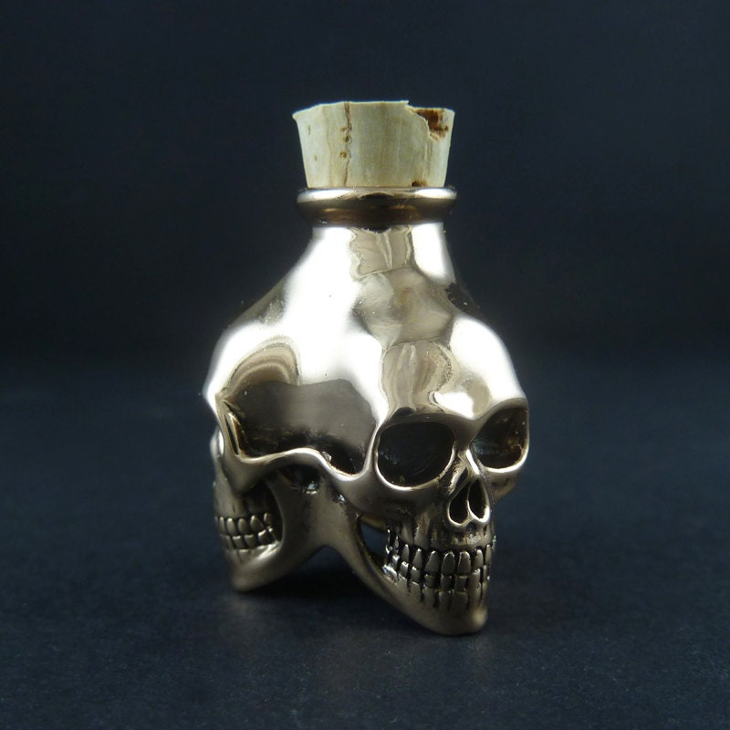 Skull Bottle - Bronze Three Skull Bottle - LostApostle