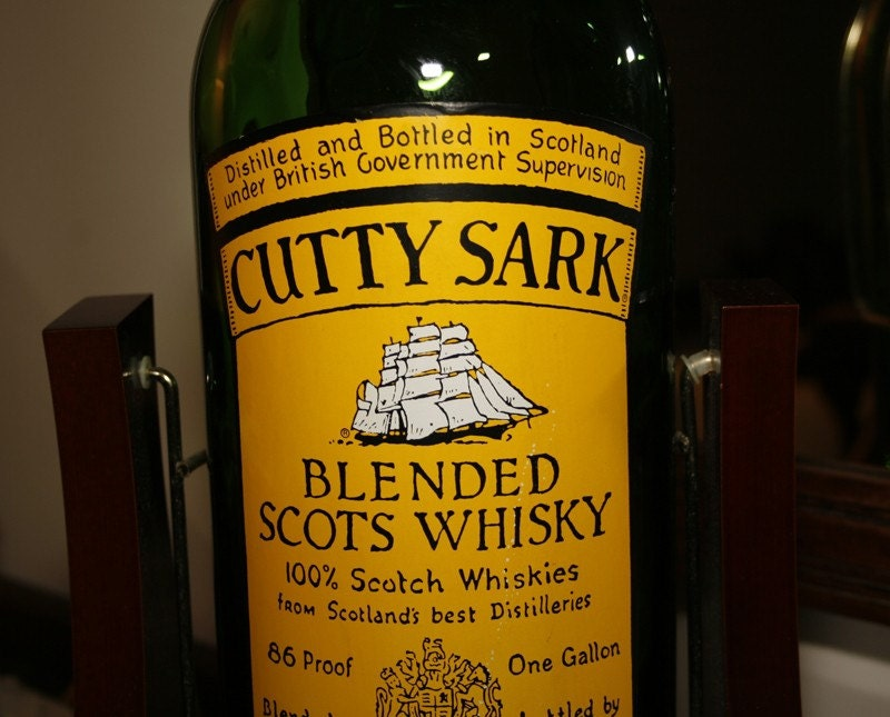 Rotating whiskey bottle