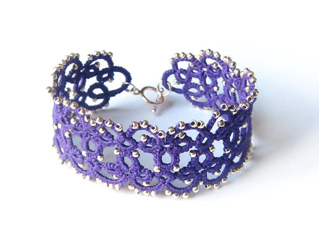 Violet acai lace bracelet with glass beads Purple tatted lace and silver beads jewelry - LandOfLaces