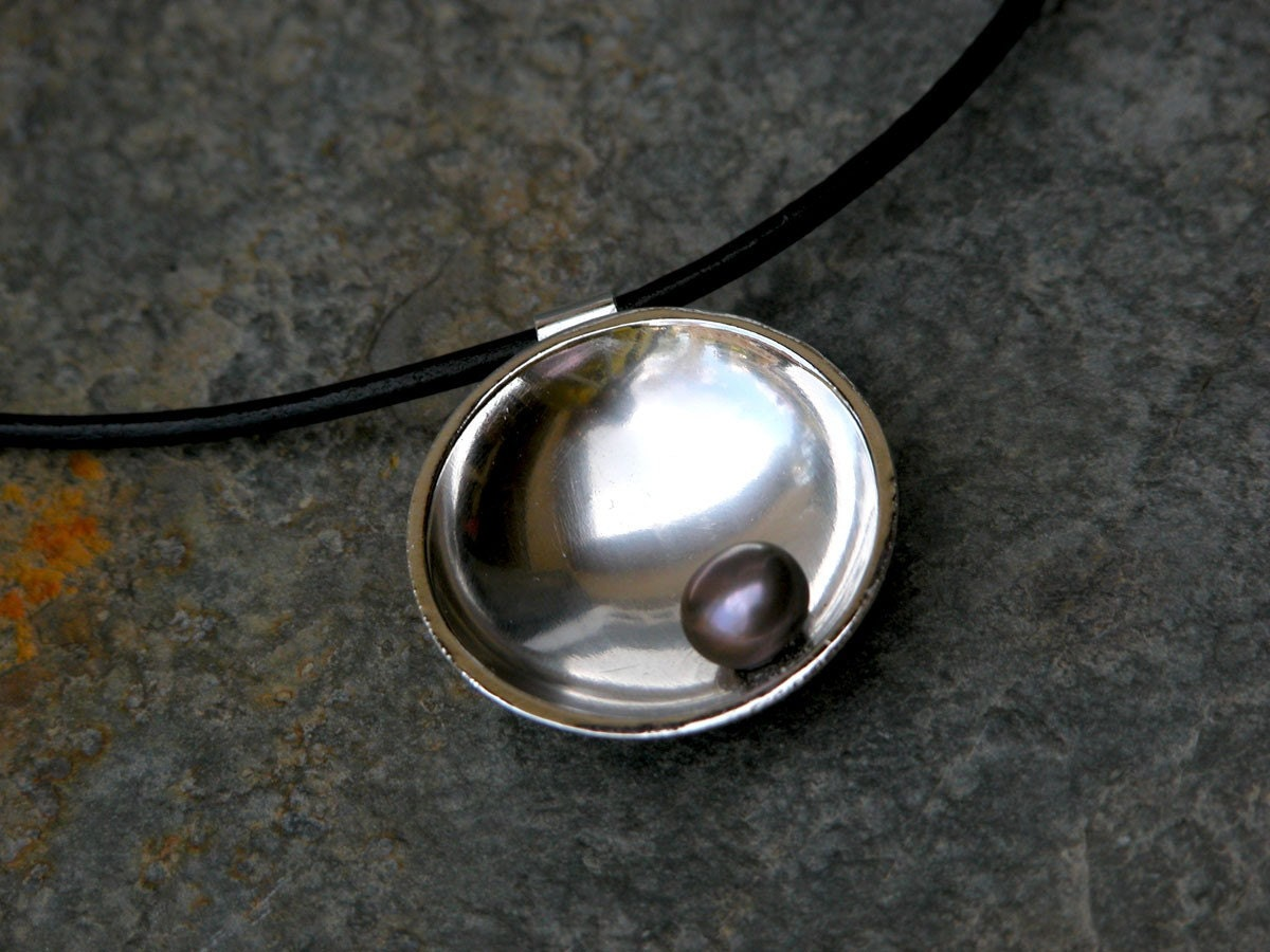 Silver Pendant Bowl Shaped with Black Pearl and by gazellejewelry