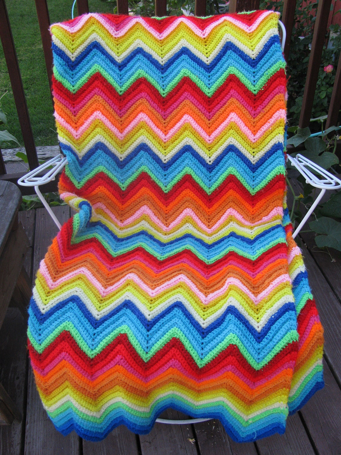 Knitted Zig Zag Afghan Pattern : Handmade Vintage Knitted Afghan Zig Zag Chevron by fabricdesigns