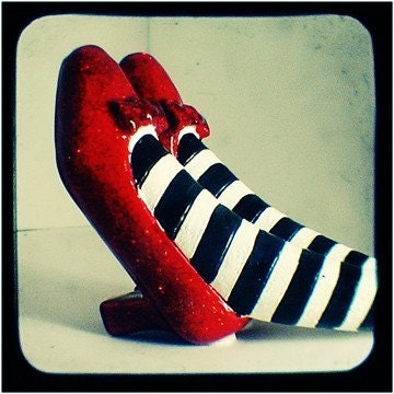 Etsy   wizard of ozWizard Of Oz Ruby Slippers Under House