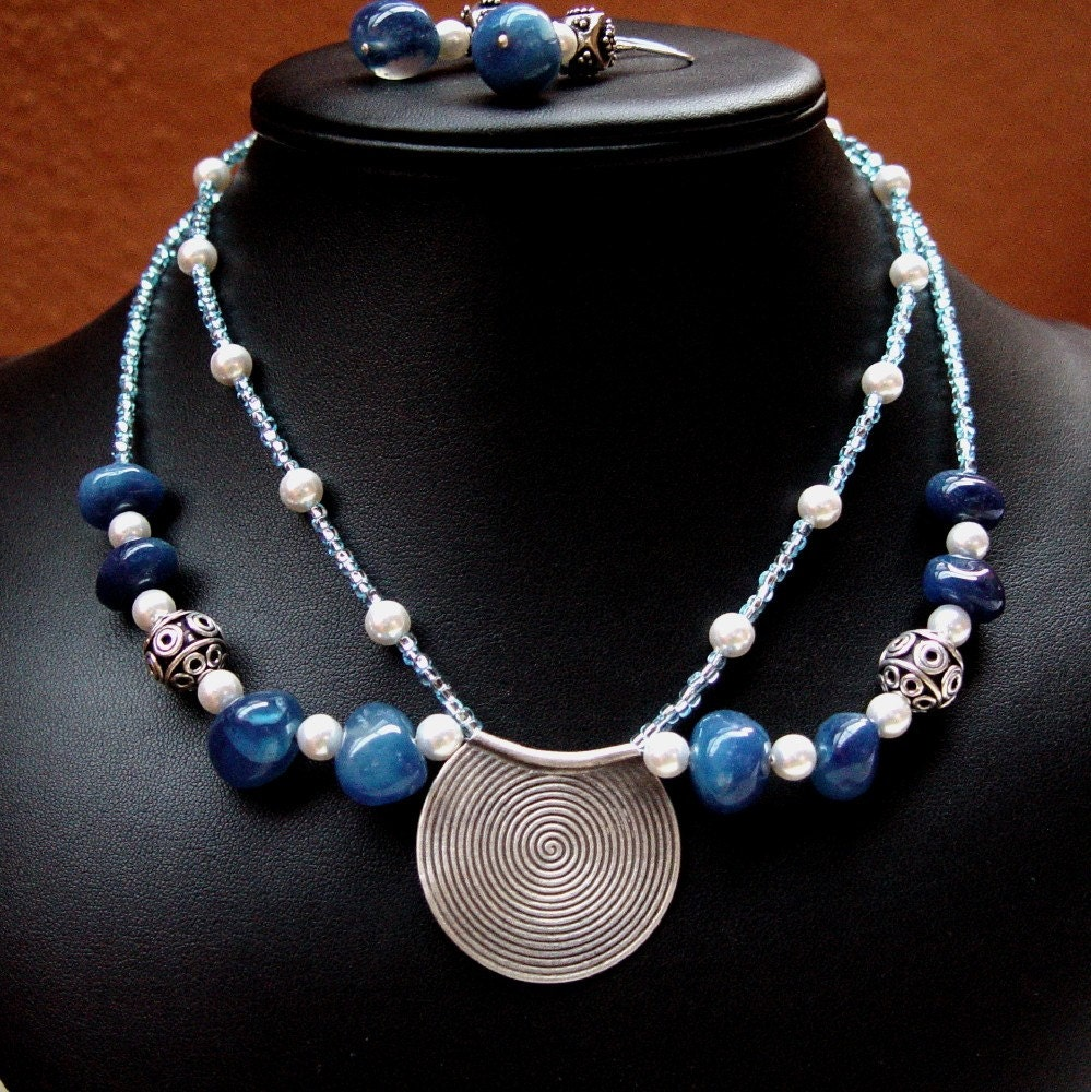 Ula necklace pic