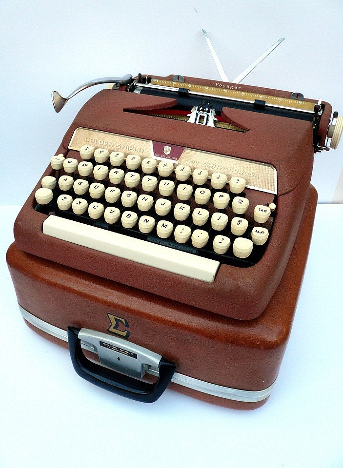 1950s Pink Corona Portable Manual Typewriter w/ Case