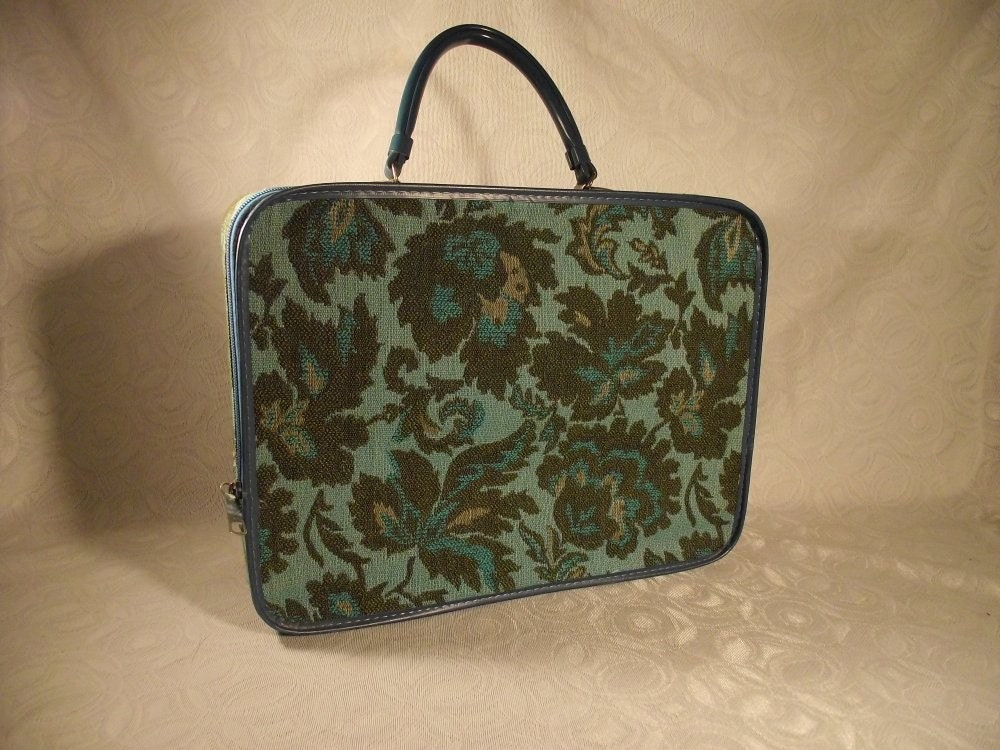 Vintage Tapestry Suitcase in Floral Print