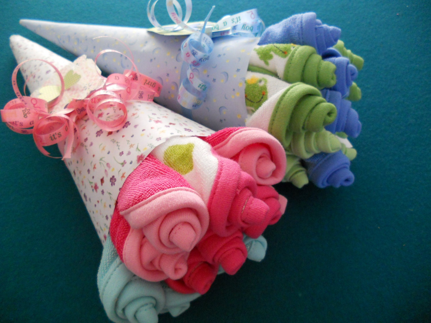 10% Off  Washcloth Rosebud Bouquet / Baby Shower Gift/ Hospital Gift/ Bridal Shower Gift  Available in Boy, Girl, Neutral , Bridal