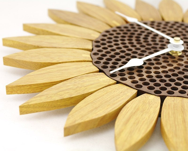 Sunflower clock - Canarywood