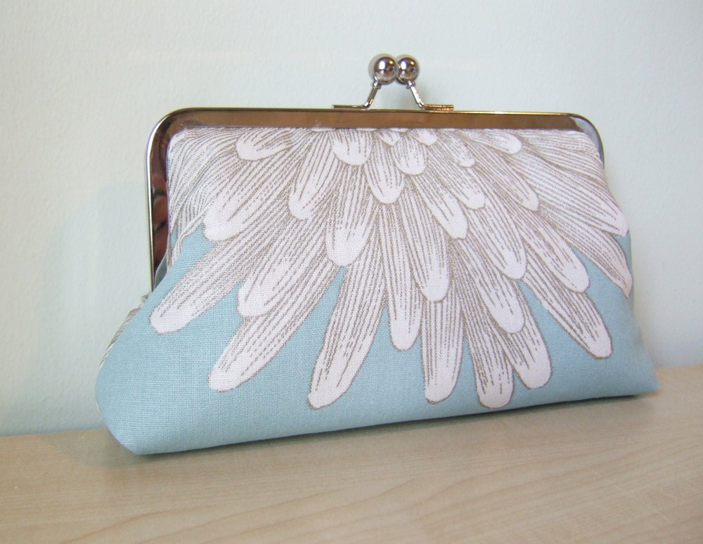 EllenVINTAGE White Chrysanthemum on Blue Clutch WITH SILK LINING