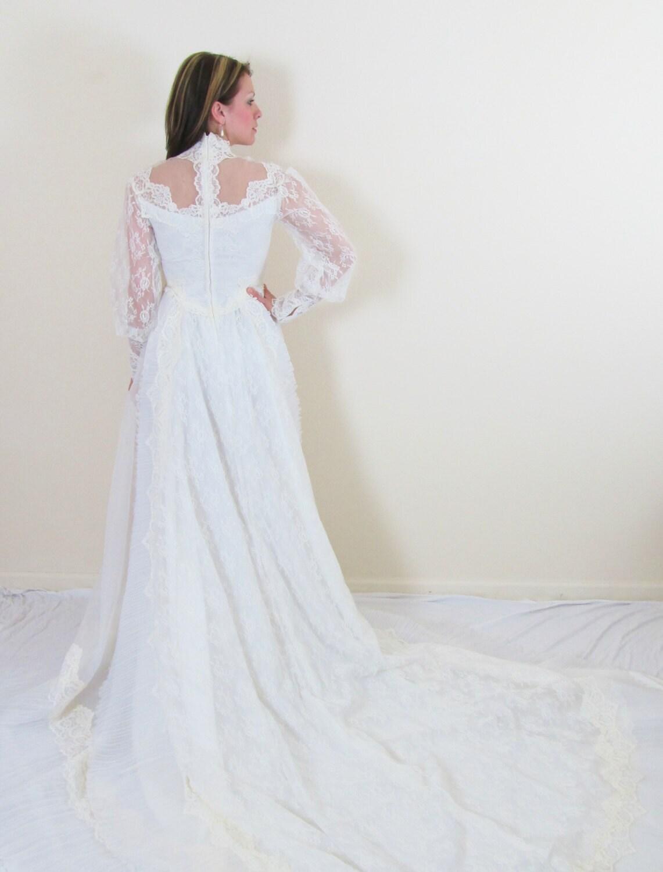 Vintage 1950 39 s wedding dress ivory spanish lace by jlvintage for Spanish lace wedding dress