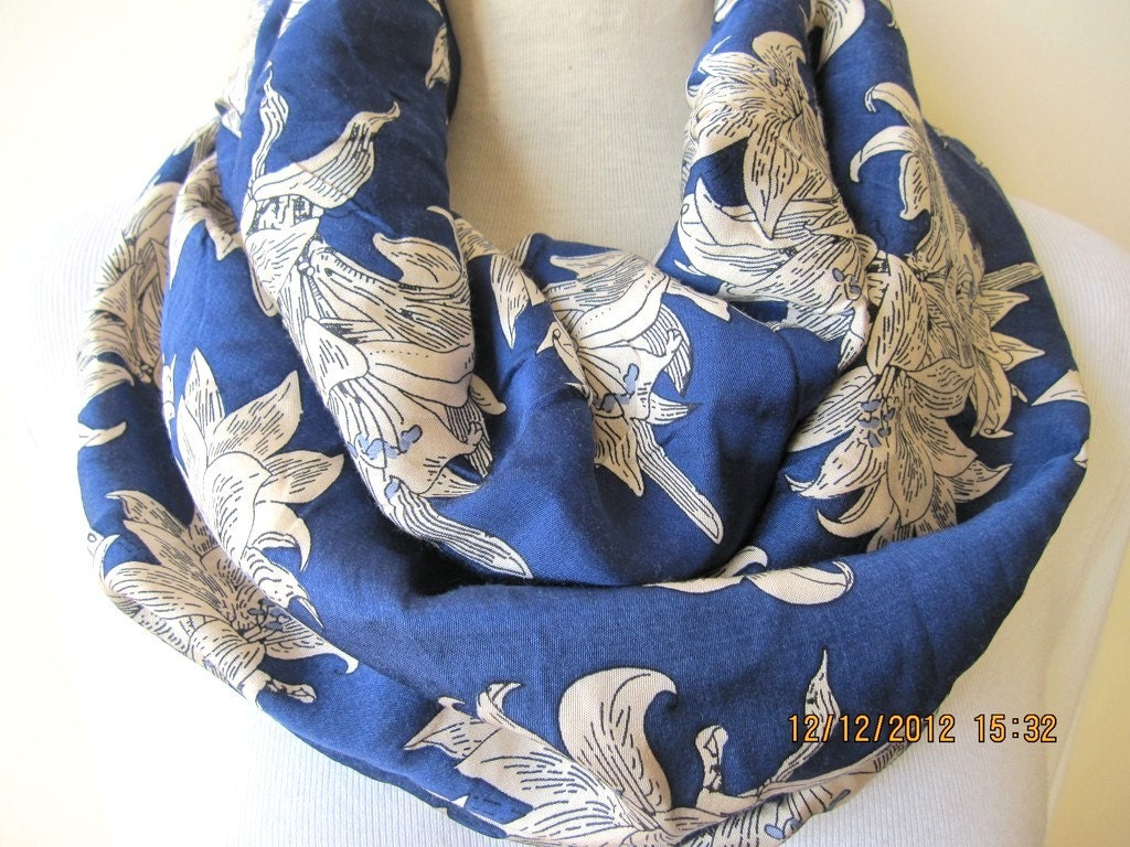 Trendy cobalt blue beige floral infinity scarf-women's scarves-fabric cowl scarf - circle scarf-loop scarf nurdanceyiz