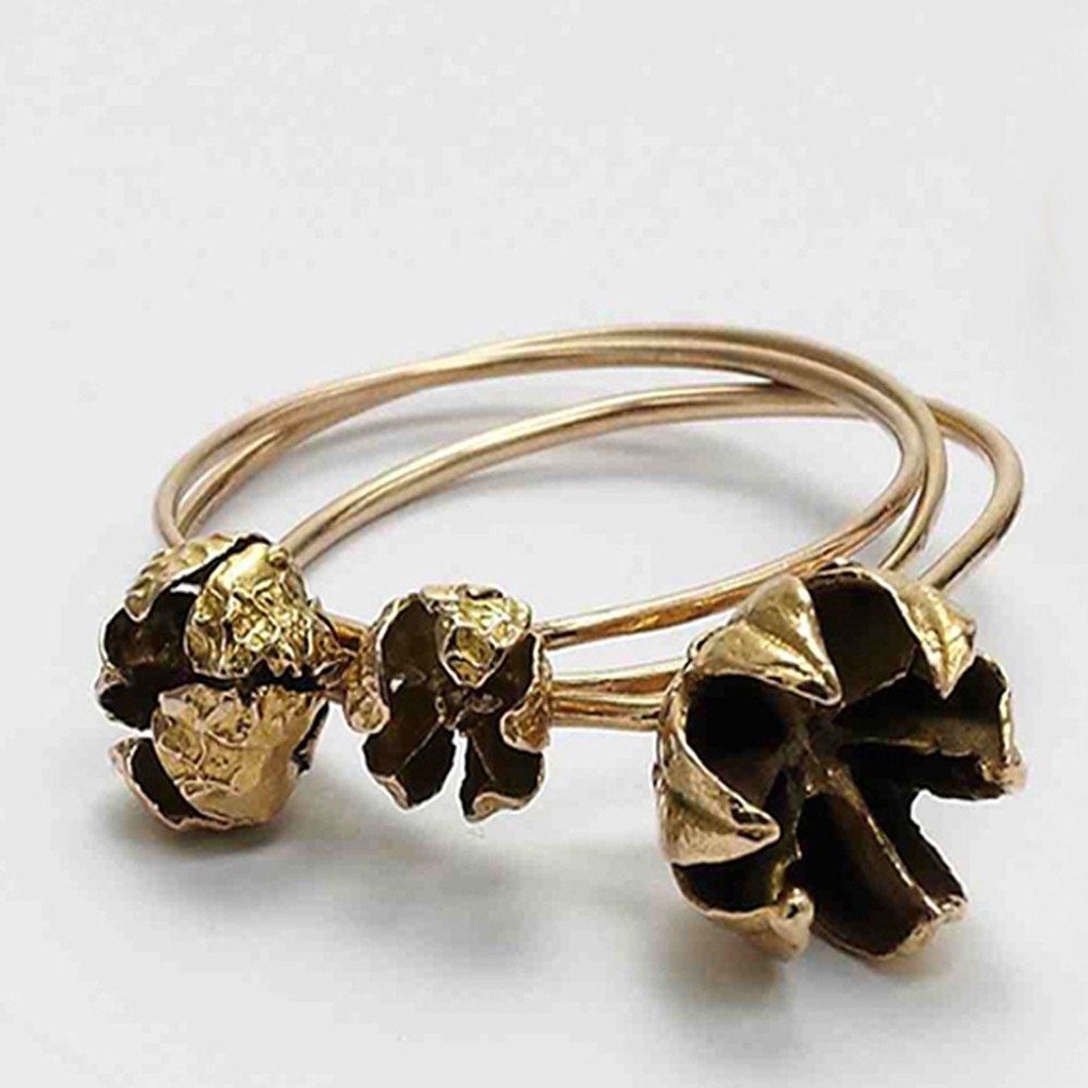 seed pod large flower . stacking rings