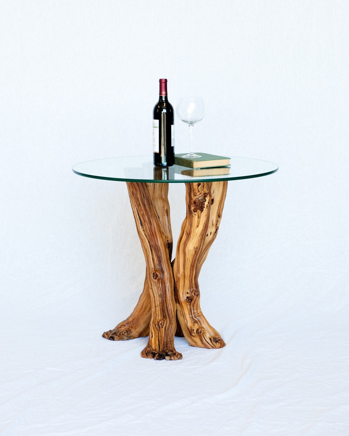 Old vine grapevine side table 24h glass by for Table and vine