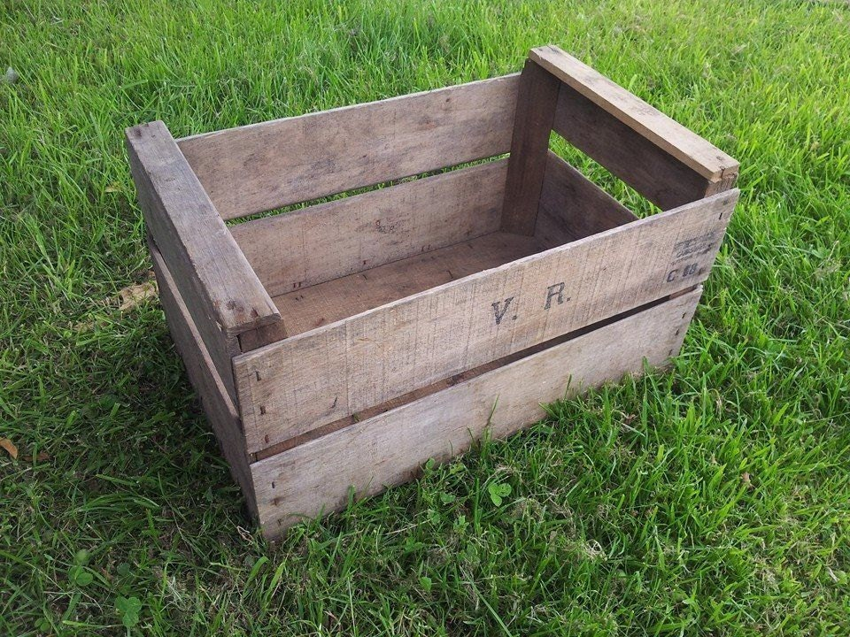 1 x FRENCH Wooden Vintage Storage Crate apple bushel Box Rustic Shabby Chic  Storage shelving Bedside table and drawers ideas!