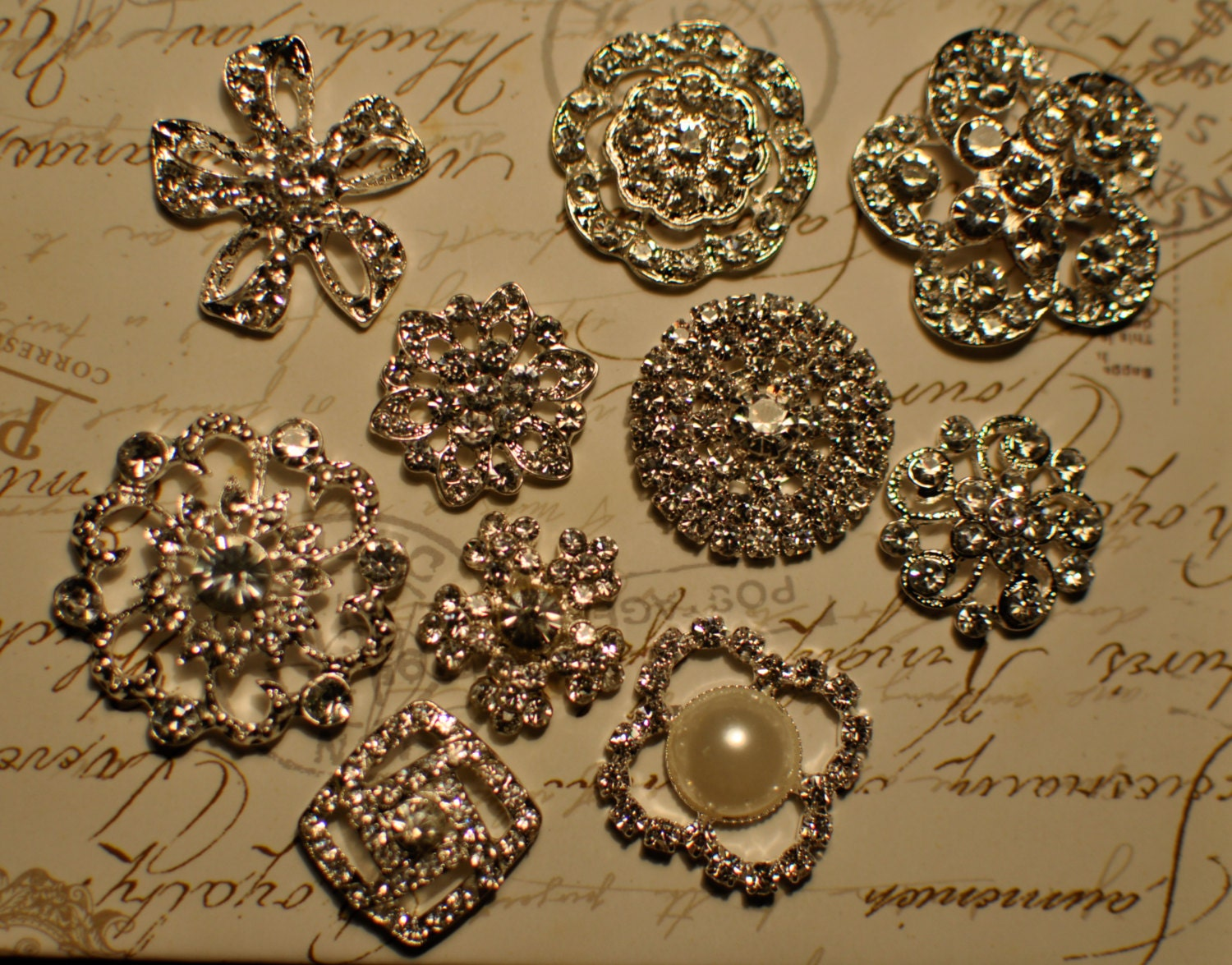 Mixed lot of 10 clear rhinestones crystal wedding brooches pins buttons