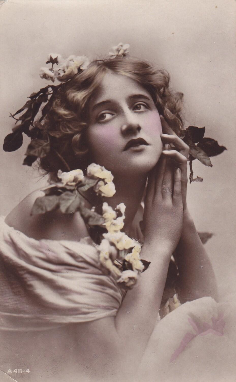 1918  Beautiful Ivy Li...