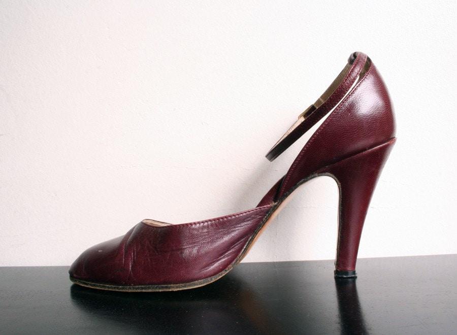 Vintage 1970s Joseph Magnin Heels - Dark Burgundy size 5 M