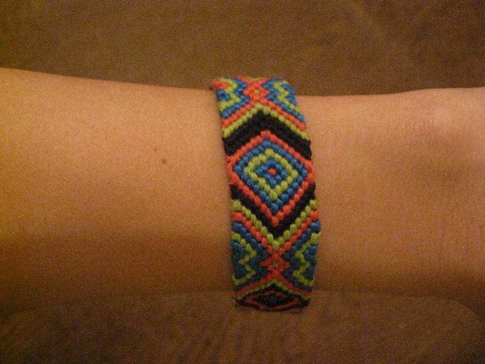 Friendship bracelets are easy to