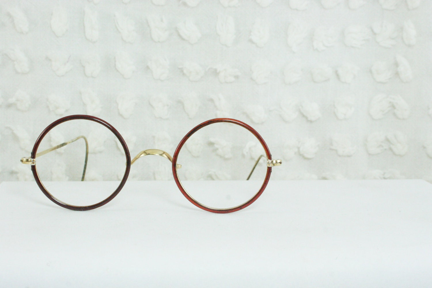 1930's Round Eyeglasses Burnt Orange Celluloid Covered Yellow Gold Filled Cable Temple Small Medium Unisex 39/24 by Windsor Optical - THAYEReyewear