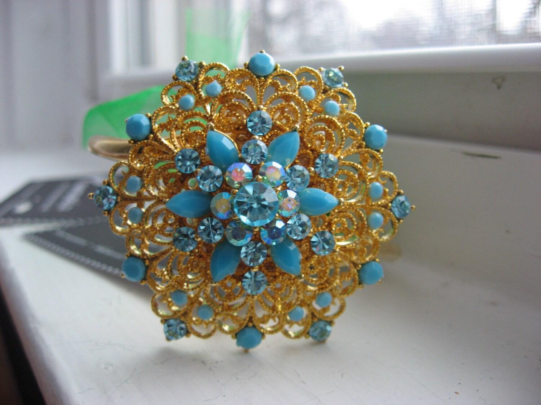 Bursting blue flowers an ooak bangle bracelet