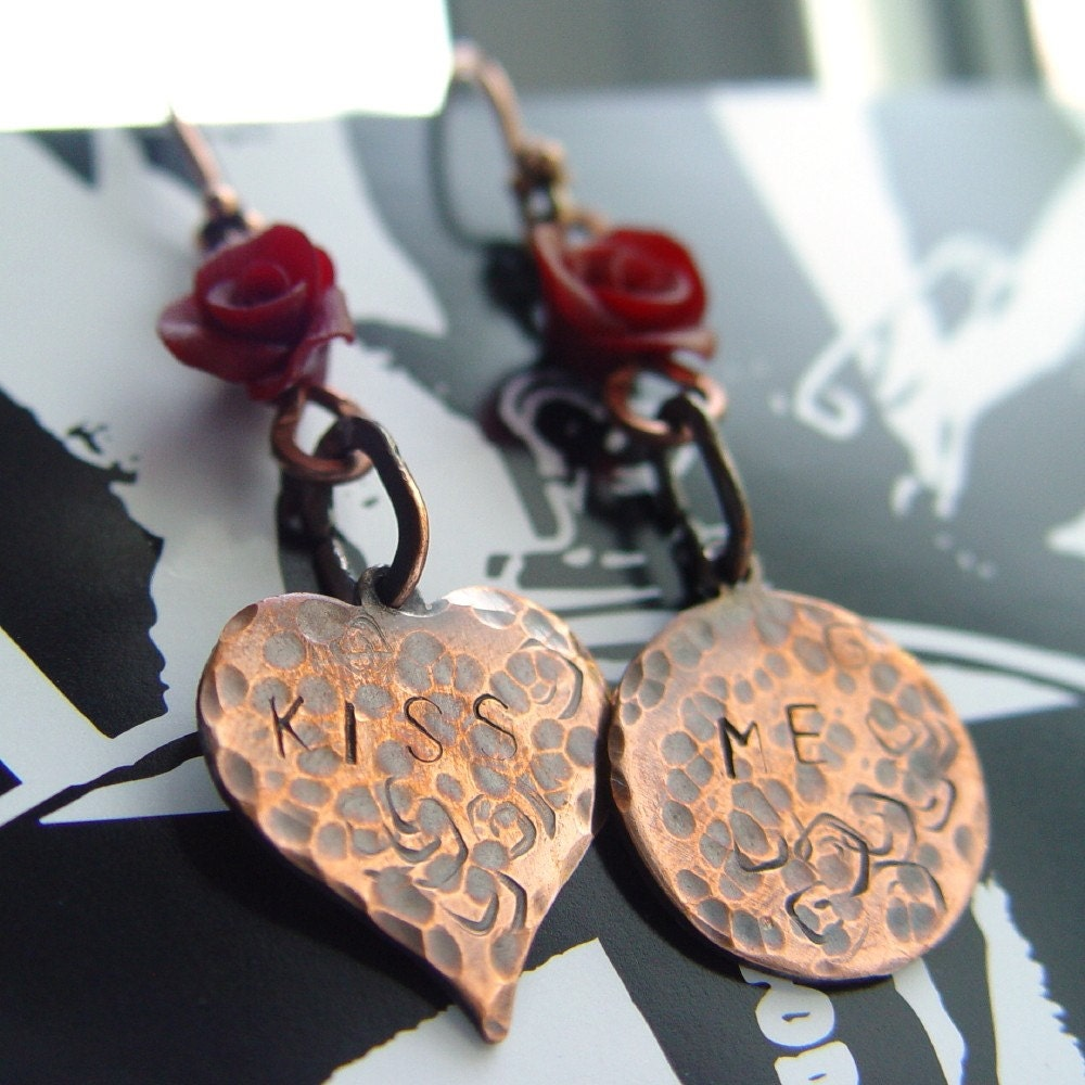 Kiss Me Earrings picture