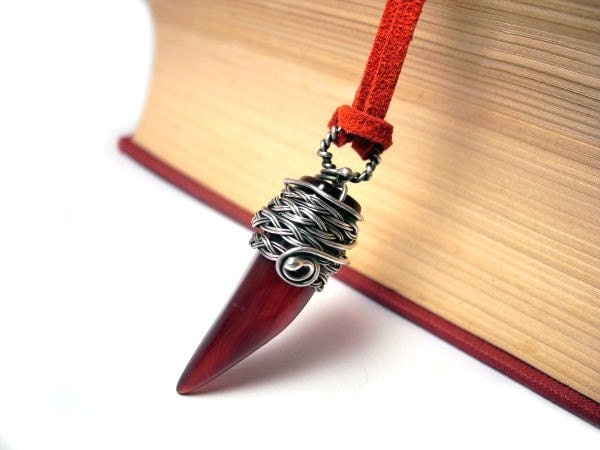 Oxblood Agate Pendant - Burgundy Vampire Fang - Silver Wire Wrapped Necklace - Dangle Tribal - Braided Ethno Woodland - Dark Red Jewelry - NurrgulaJewellery