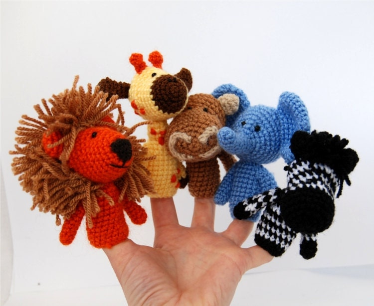 safari finger puppets, crocheted lion, giraffe, elephant, hippopotamus, zebra, amigurumi savannas african toys, rainbow, multicoloured, kids