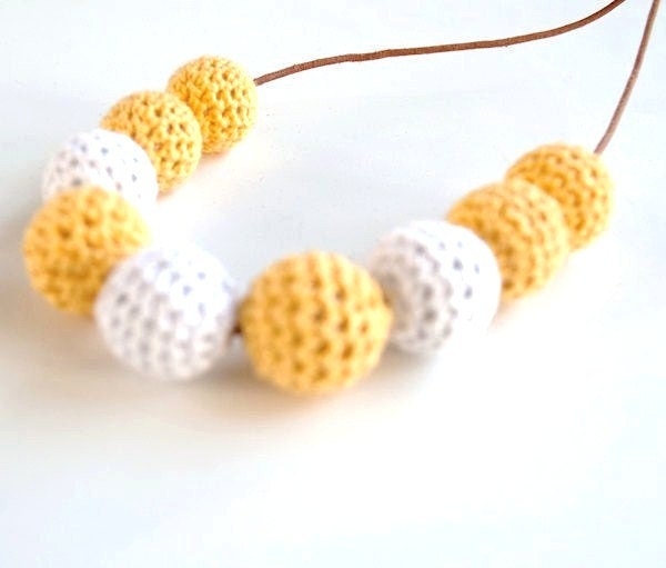 SALE 20%-Nursing Necklace/Teething Necklace-Yellow white - Simplyacircle