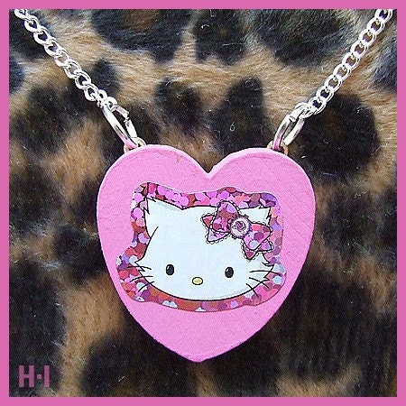 Charmmy Kitty / Pink Love Heart