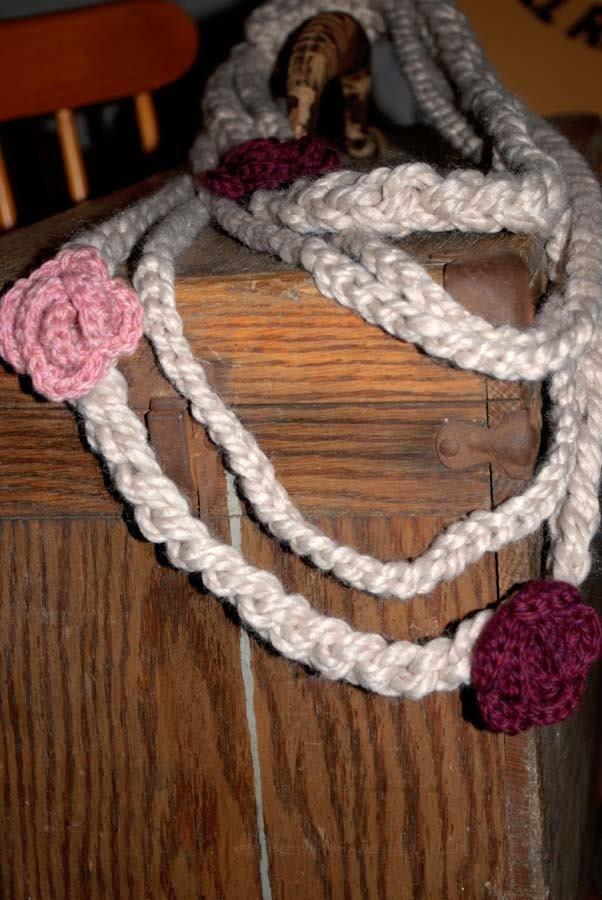 April Flowers ожерелье в белье с Мерло и розовый