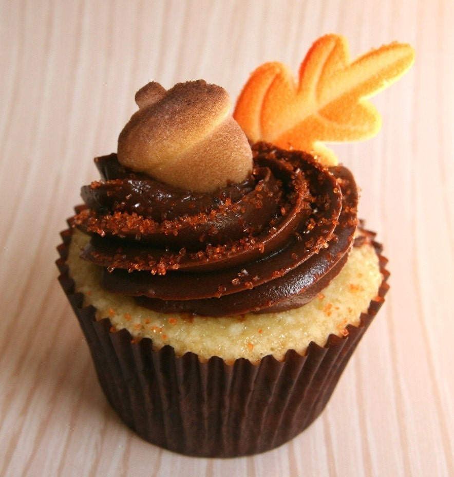 Acorn and Leaves Edible Sugar Decorations for by sweetestelle