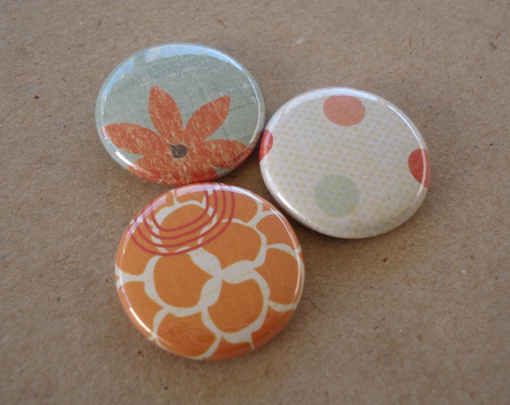 3 Pack of Buttons