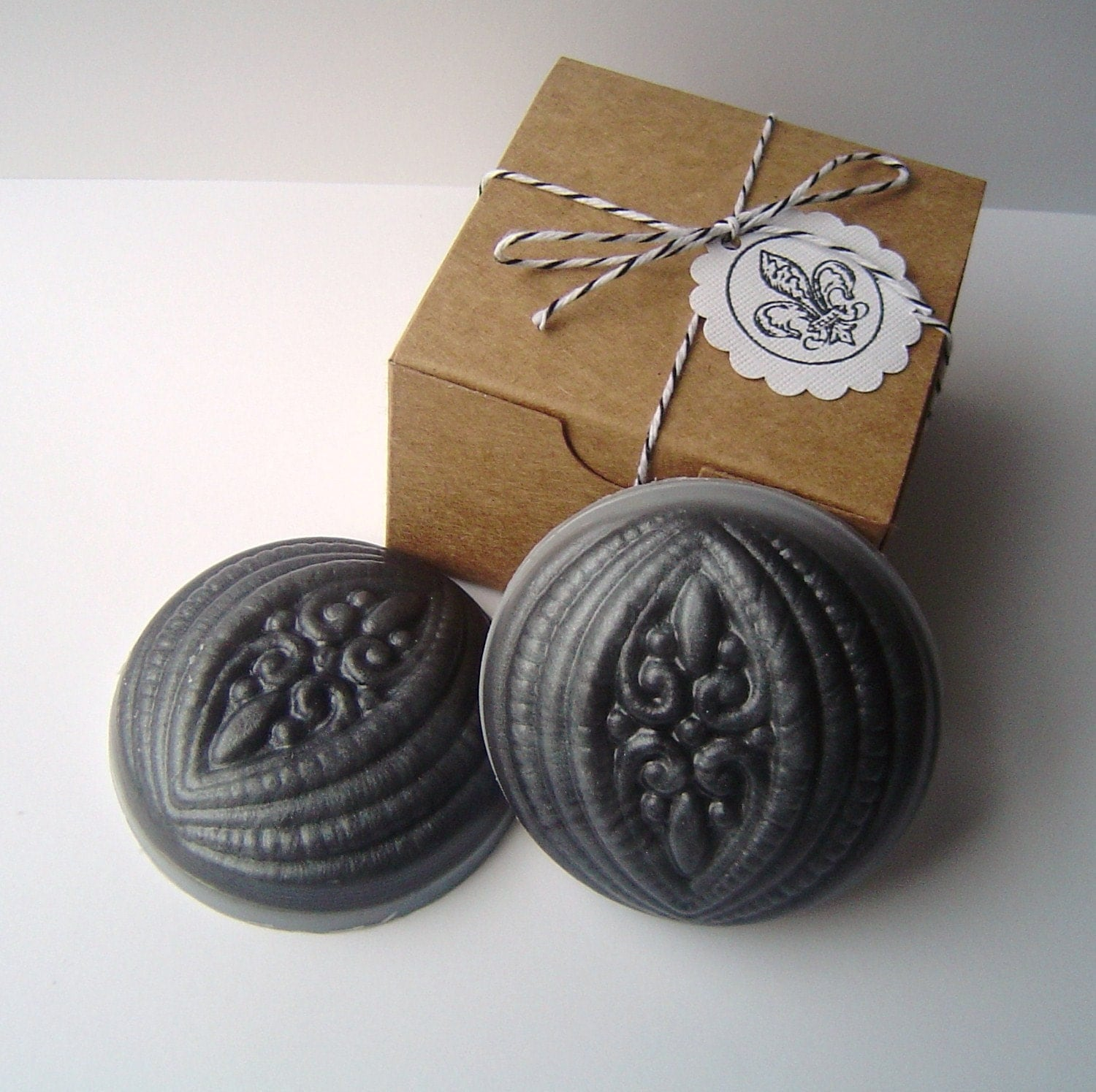 New-White Ginger and Amber Button Fleur De Lis Guest Soap Set-Glycerin and Goat's Milk Soap