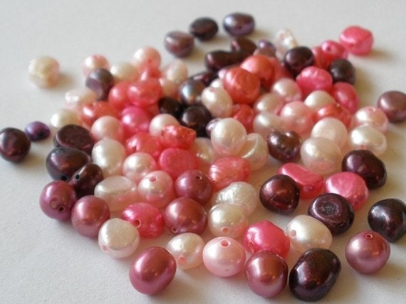 Wild Berries - 20g (approximately 90) Freshwater Pearl Mix - uniquedesignsbysandy