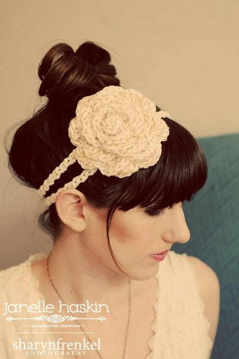 The Leila Rose Headband in Cream and Gold Sparkle
