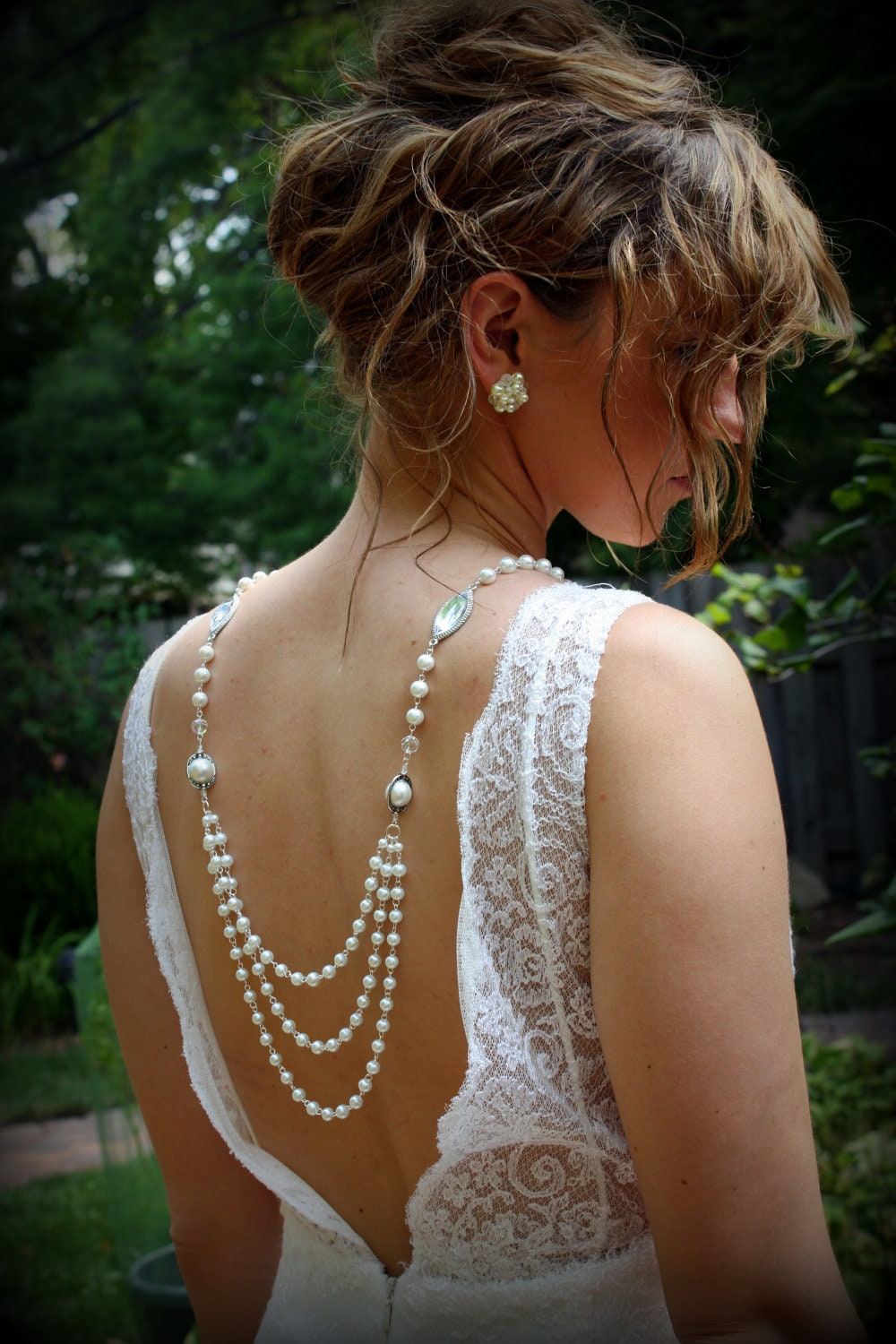 What type of necklace to wear with this dress weddingbee for Back necklace for wedding dress