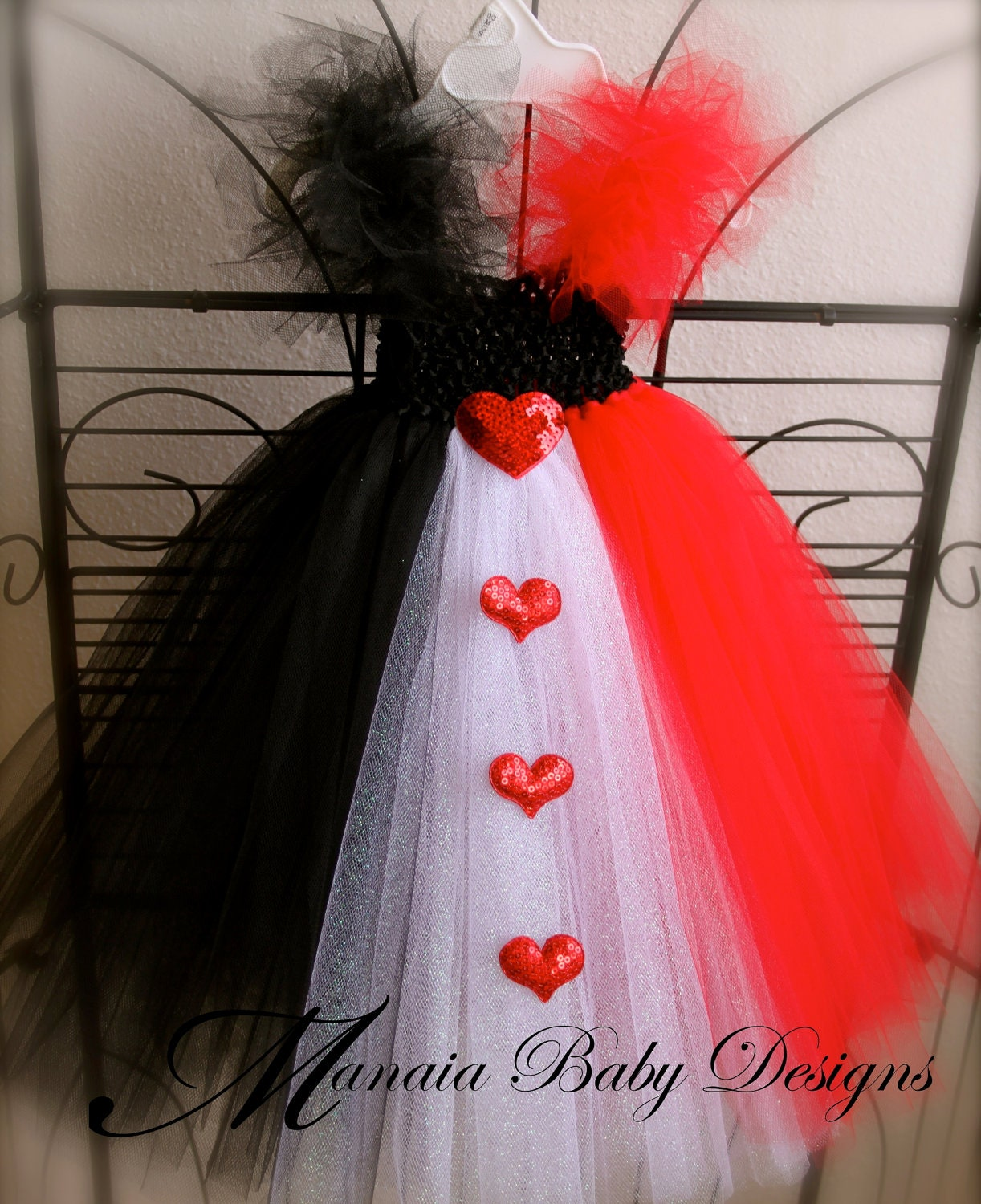 Request a custo... Queen Of Hearts Alice In Wonderland Costume Diy