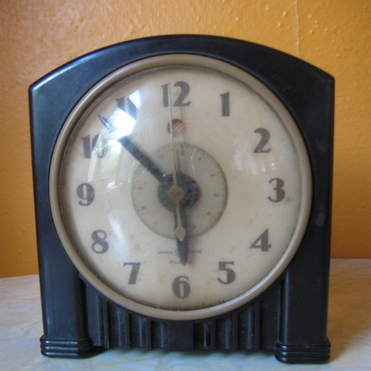 Art deco bakelite alarm clock vintage general by retro2gogo Art deco alarm clocks