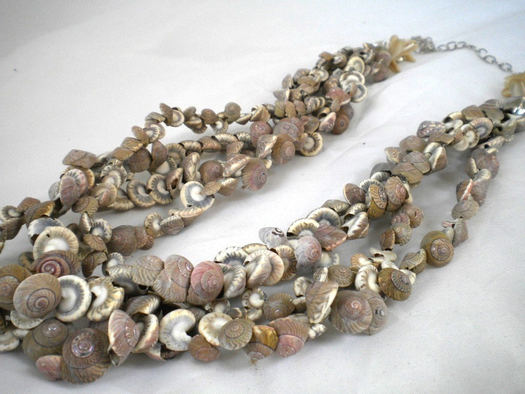 Handmade sea shell necklace by kirevi8 on Etsy