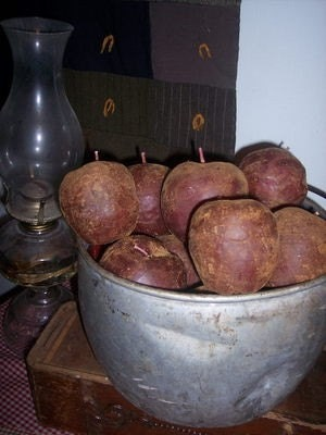 PRIMITIVE RED APPLE CANDLES