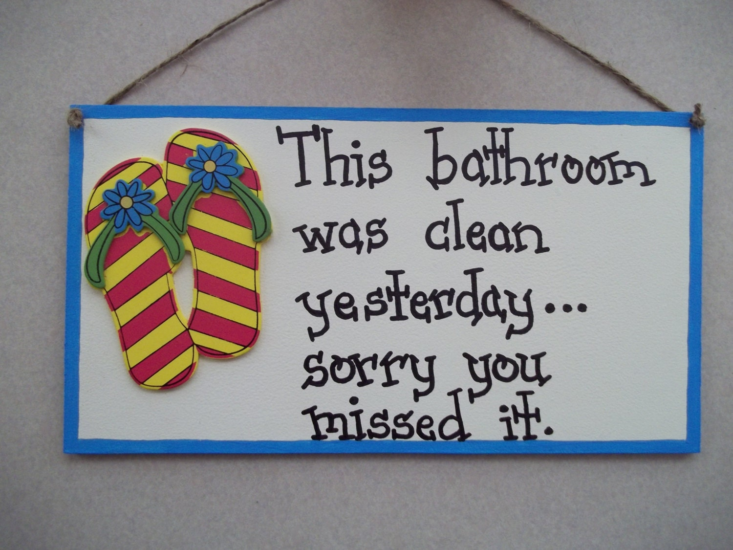 flip flop bathroom decor signs this by countrycutiescrafts on etsy