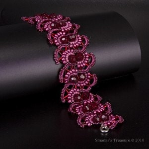 Pink and Red Oriental Lace Bracelet