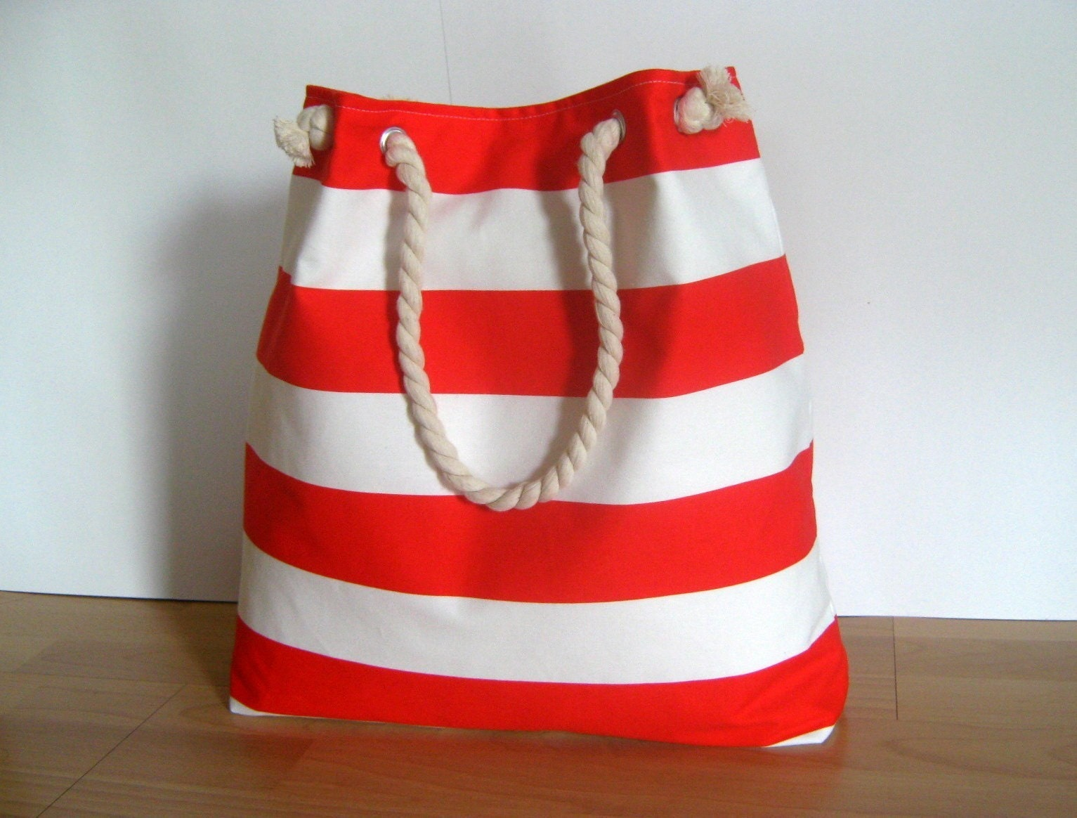 S.A.L.E. ---------- Sailor tote XLarge..... in red by bayanhippo on Etsy from etsy.com