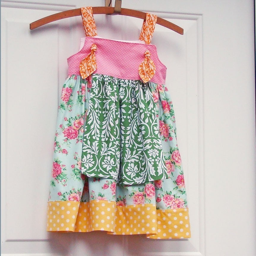Roses and Damask Knot Apron Dress,6-12M or 12-18M