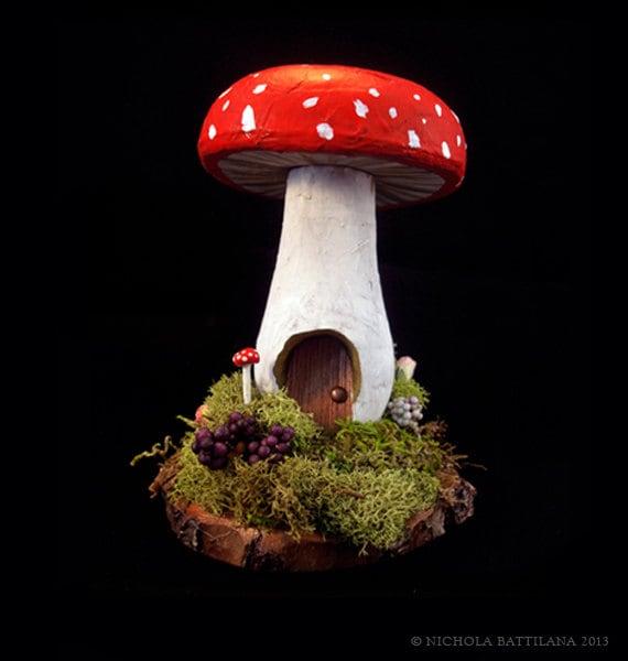 Redcap Mushroom / Toadstool Fairy House - PixieHillStudio