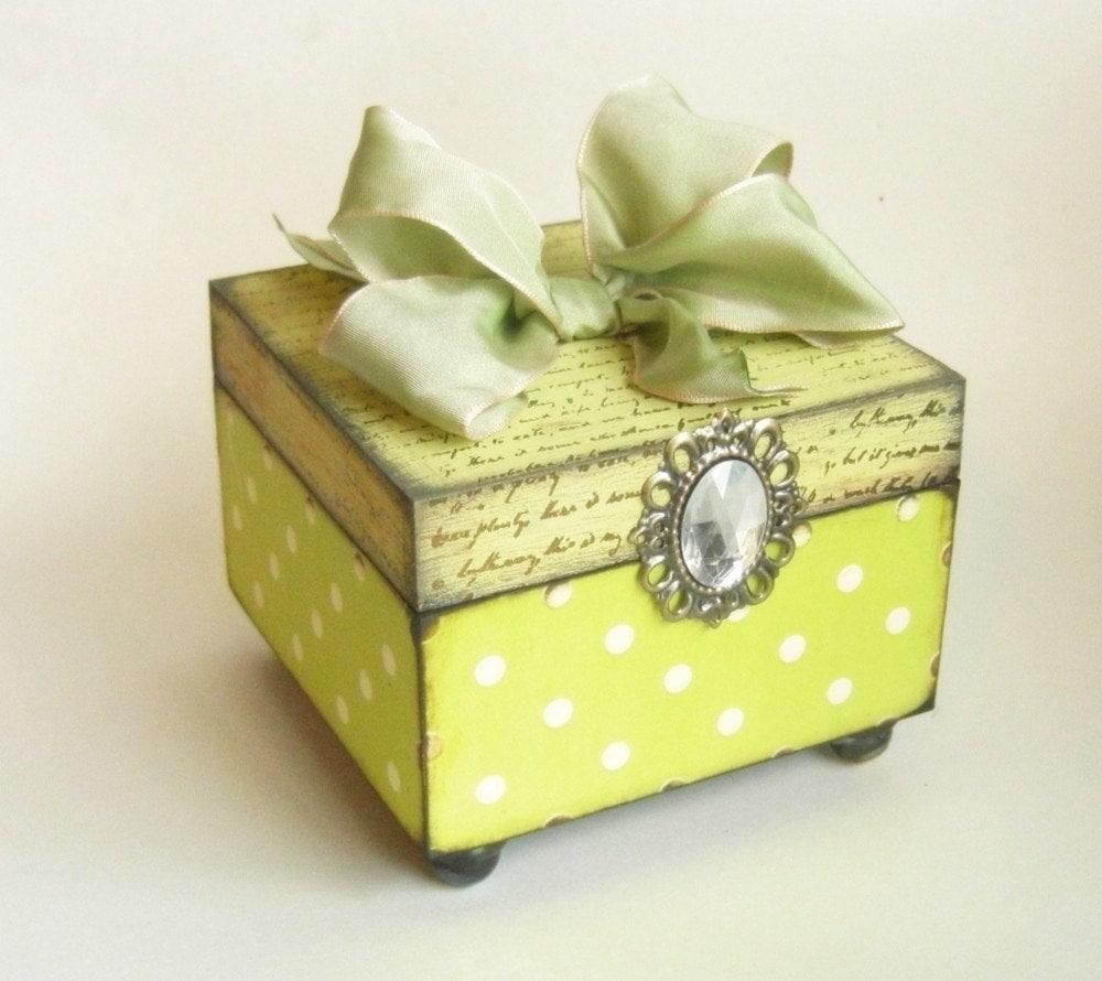 Trinket box - fresh as a spring