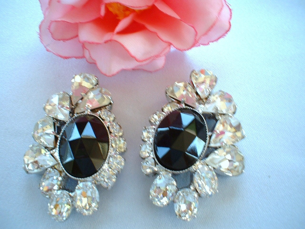 Vintage Black and Clear Rhinestone Earrings.